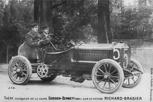 800px-Gordon_Bennett_1904[1]